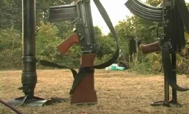 माओवादी-पुलिस मुठभेड़, चार जवान घायल