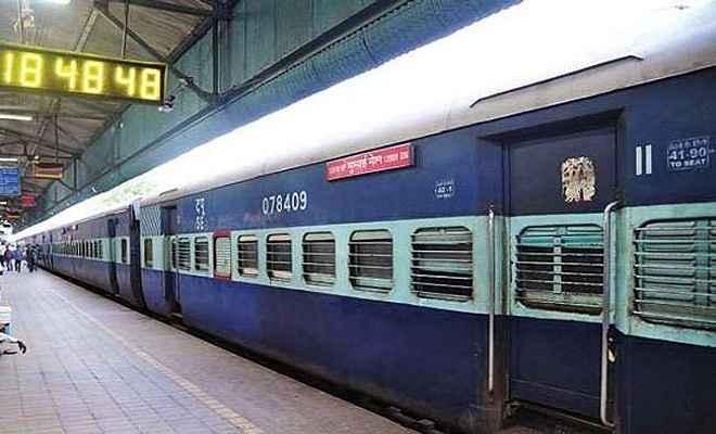 यात्रियों की सुविधा के लिए दीपावली पर चलेंगी कई स्पेशल ट्रेनें