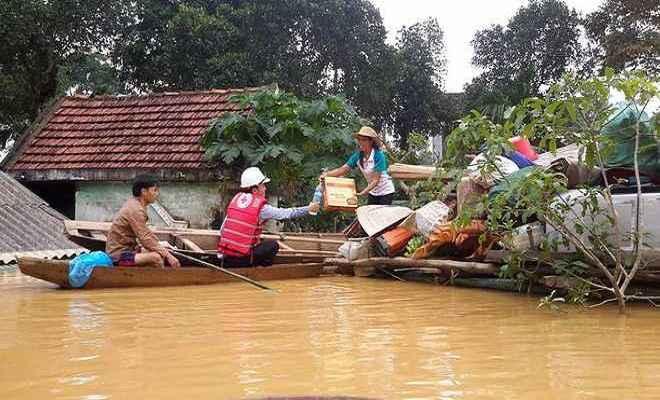 वियतनाम में बाढ़ से अब तक 37 मरे