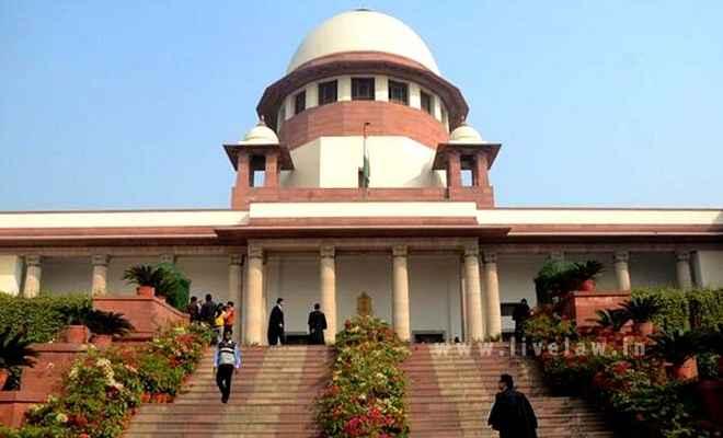सबरीमाला मंदिर में महिलाओं के प्रवेश का मामला संविधान बेंच को रेफर