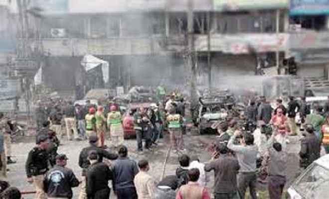 अफगानिस्तान में आत्मघाती हमलों में अब तक 76 मरे