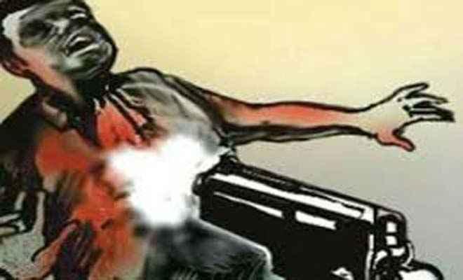 बेतिया में गोली मार रेलवे के ठेकेदार की हत्या, अपाची बाइक पर सवार हो आए थे हत्यारे