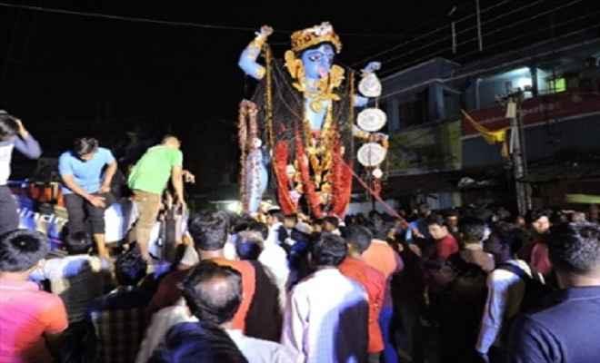 कालीपूजा विसर्जन के लिए सुरक्षा कड़ी, दीपावली के दिन सैकड़ों गिरफ्तार