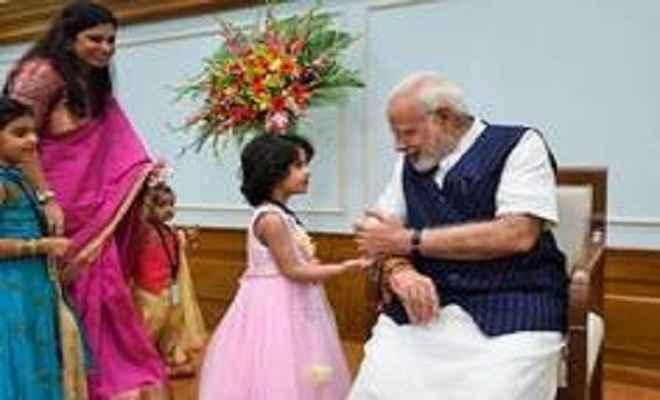 प्रधानमंत्री ने देशवासियों को दी ''भाई दूज'' की बधाई