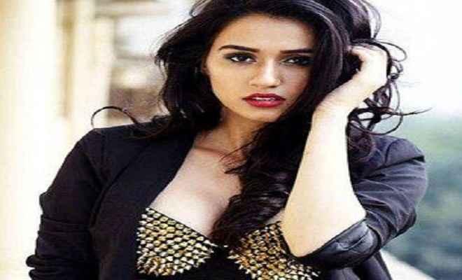 श्रुति हसन की फिल्म मिली दिशा पतानी को