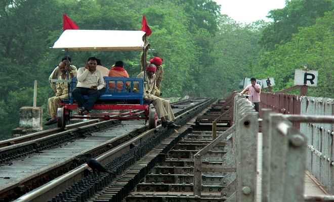 रेल दुर्घटनाएं रोकने के लिए पुश ट्राली में लगेगा जीपीएस