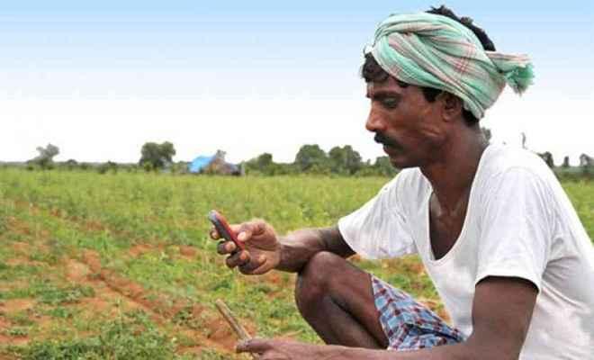किसानों को मोबाइल पर मिल रही है खेती की जानकारी