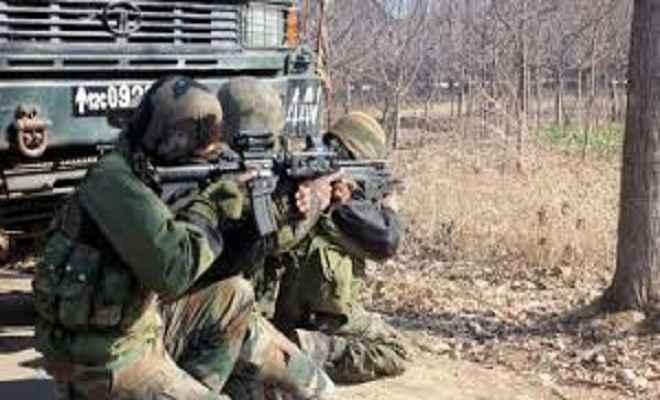 कश्मीर घाटी में दो अलग-अलग मुठभेड़ में पांच आतंकी ढेर, एक गिरफ्तार