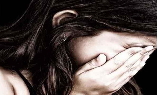 पाकिस्तानी मूल के लोग ब्रिटेन में श्वेत लड़कियों का करते हैं यौन शोषण