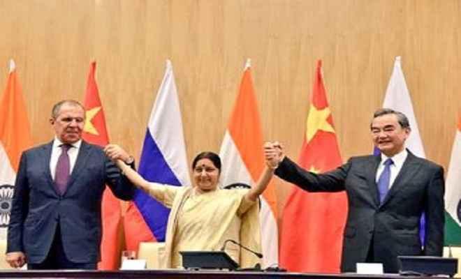 भारत-चीन-रूस की त्रिपक्षीय विदेशमंत्री स्तर बैठक संपन्न