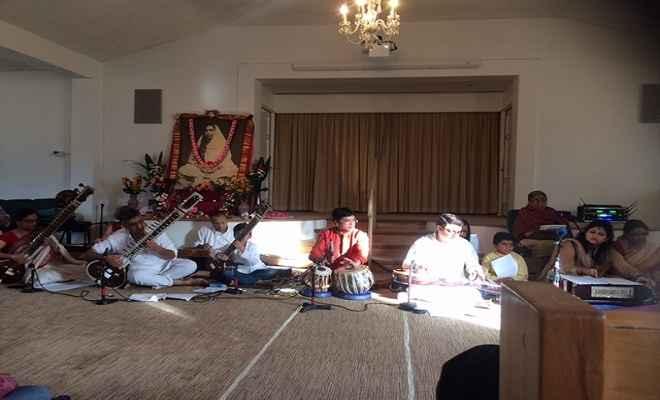 मां शारदा कष्टहरणी और सामाजिक समरसता की प्रतीक : स्वामी सर्वदेवानंदा