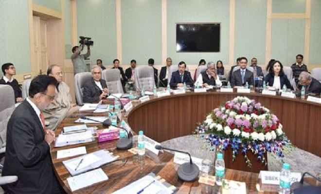 पांचवीं बजट-पूर्व परामर्श बैठक सम्पन्न, अर्थशास्त्रियों से मिले जेटली