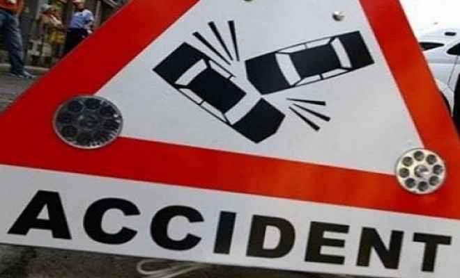 दो कारोबारियों को अज्ञात कार ने कुचला, एक की मौत