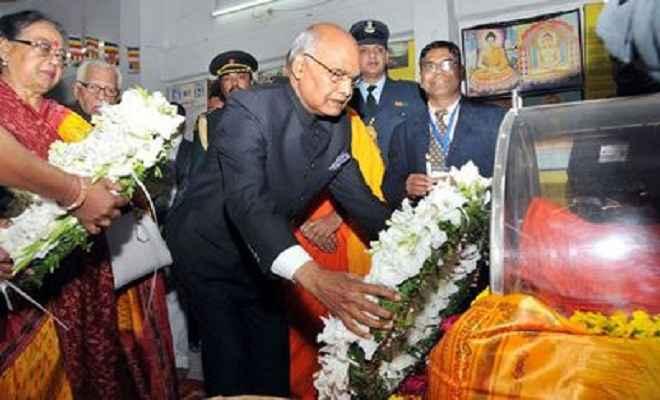 राष्ट्रपति ने भिक्षु प्रज्ञानंद को दी पुष्पांजलि