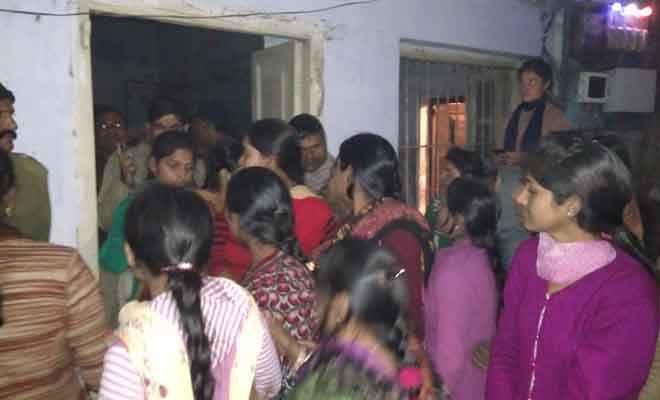 आक्रोशित छात्राओं ने श्रीकृष्ण सिंह महिला कॉलेज में की जमकर तोड़फोड़, हंगामा