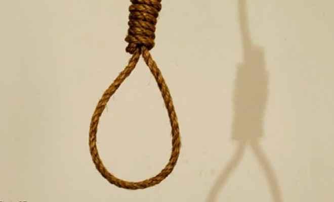 छात्रा ने फांसी लगाकर की आत्महत्या