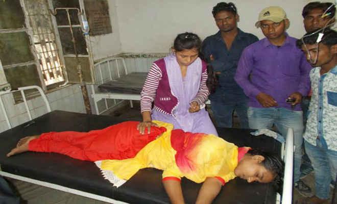 महिला पुलिसकर्मियों ने जांच के दौरान इंटर छात्रा की बेरहमी से की पिटाई