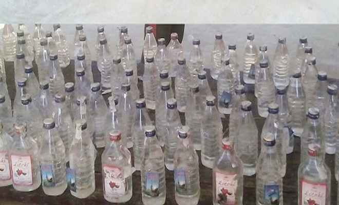 झारखंड निर्मित शराब की 288 बोतलों के साथ दो गिरफ्तार