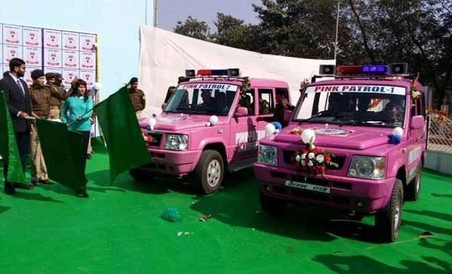 अंतर्राष्ट्रीय महिला दिवस पर हजारीबाग में पिंक पेट्रोलिंग की शुरुआत
