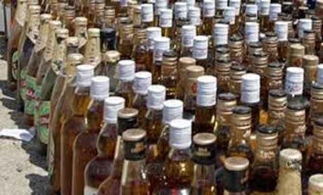 बिहार भेजी जा रही लाखों की अंग्रेजी शराब जब्त