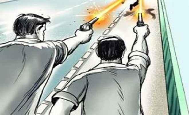 हुसैनाबाद बमबाजी व फायरिंग, दशहत में लोग