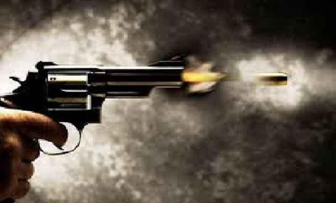 मामूली विवाद में चली गोली