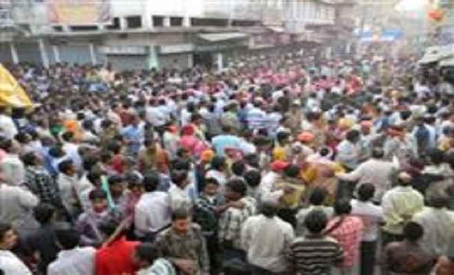 हजारीबाग में रामनवमी का जुलूस उफान पर, 700 घायल