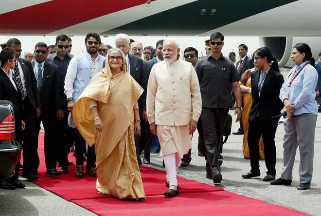 बांग्लादेश की प्रधानमंत्री शेख हसीना और भारतीय प्रधानमंत्री नरेंद्र मोदी