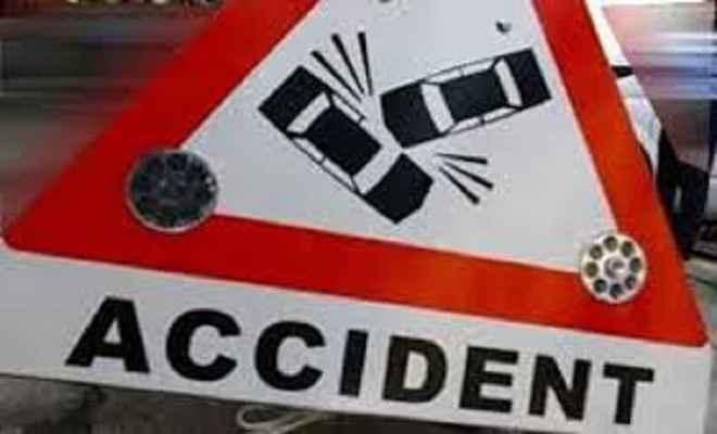सड़क दुर्घटना में एक ही परिवार के चार की मौत, छह घायल
