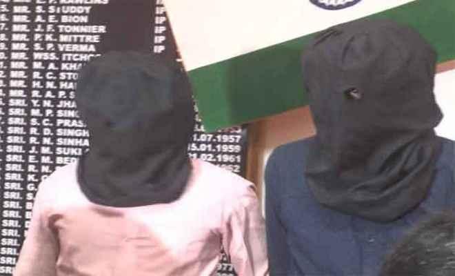लेवी की रकम के साथ दो नक्सली गिरफ्तार