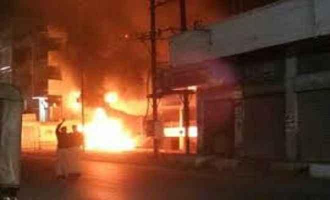 टायर रिपेयरिंग दुकान में लगी आग, चार घायल