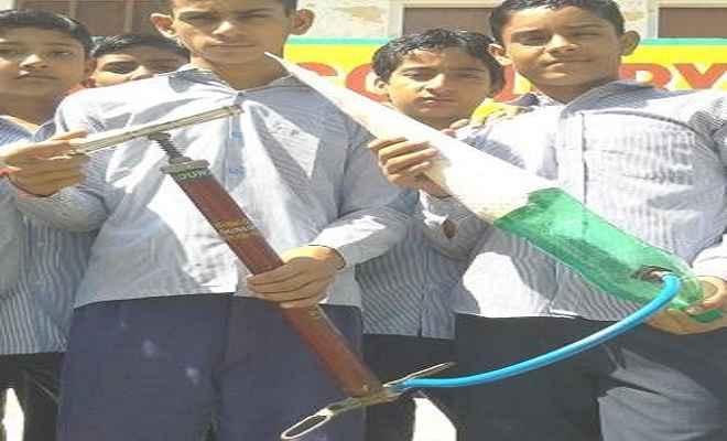 बच्चों ने सीखी रॉकेट बनाने की तकनीक