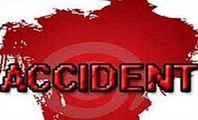 मधुबनी में सड़क हादसा, तीन माह के बच्चे की मौत,15 घायल