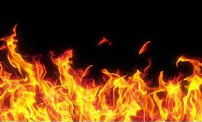 दुकान में लगी आग, लाखों का नुकसान