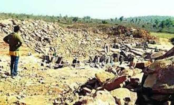 बंद पत्थर खदानों में चल रहा है अवैध खनन