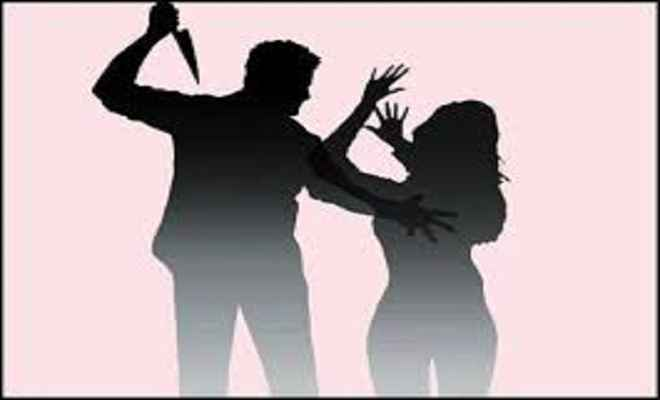 महिला मुखिया पर हमले के विरोध में धरना