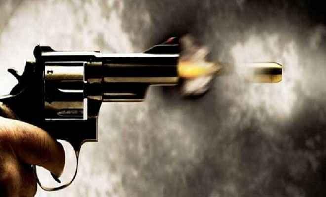 रामगढ़ में गैंगवार, युवक को लगी गोली