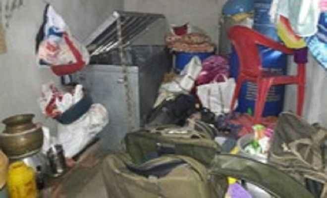 कोडरमा के चंदवारा में घर से लाखों की चोरी