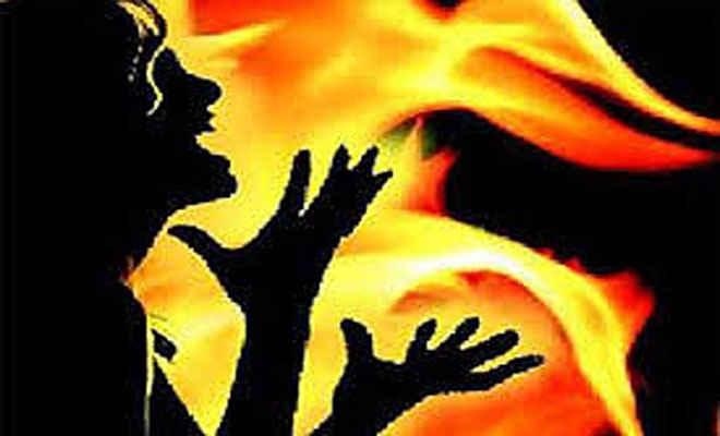 समस्तीपुर में छात्रा को पड़ोसी ने जिंदा जलाया, आक्रोशितों ने की सड़क जाम