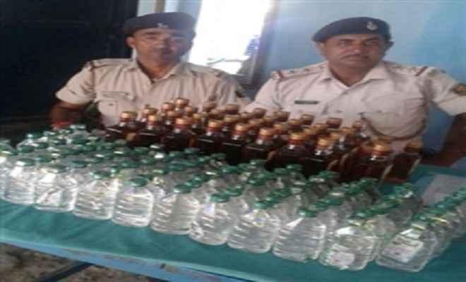 उत्पाद विभाग की टीम ने जब्त की भारी मात्रा में अवैध शराब