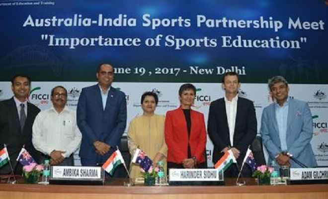 भारत में अधिकतर स्कूलों में खेल के सामान कमरे में बंद : जडेजा