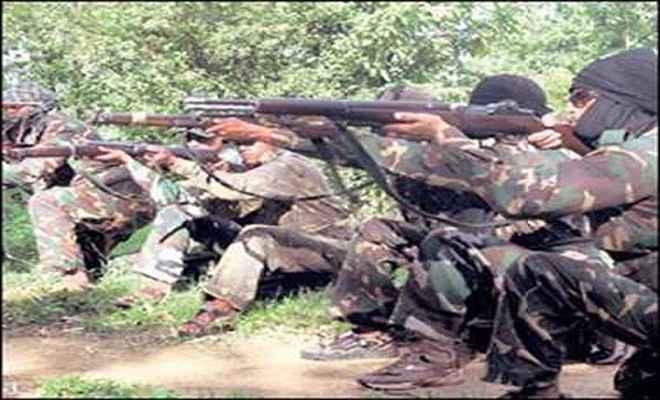 पुलिस-उग्रवादियों के बीच मुठभेड़, दो राइफल सहित 103 कारतूस बरामद