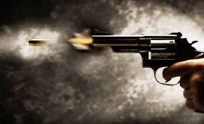 घर से निकाल कर पुलिस ने मारी गोली, युवक की मौत