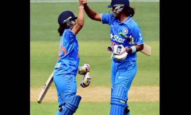 महिला विश्वकप : भारत ने इंग्लैंड के सामने रखा 282 रनों का लक्ष्य
