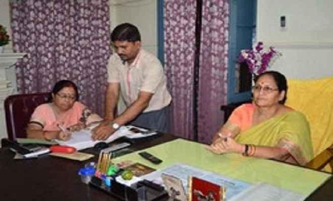 नीना श्रीवास्तव ने यूपी बोर्ड सचिव का संभाला कार्यभार