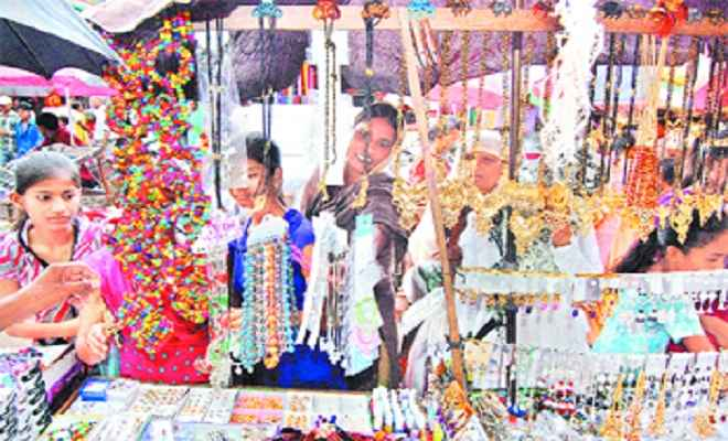 ईद को लेकर उत्साह का माहौल, बाजार खरीदारों से गुलजार