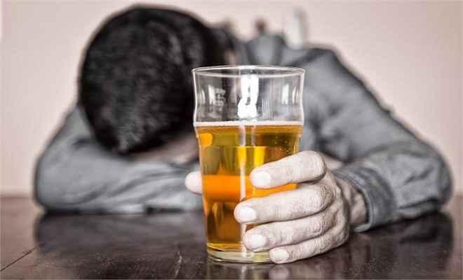 ज्यादा शराब पीने से याददाश्त होती है कमजोर