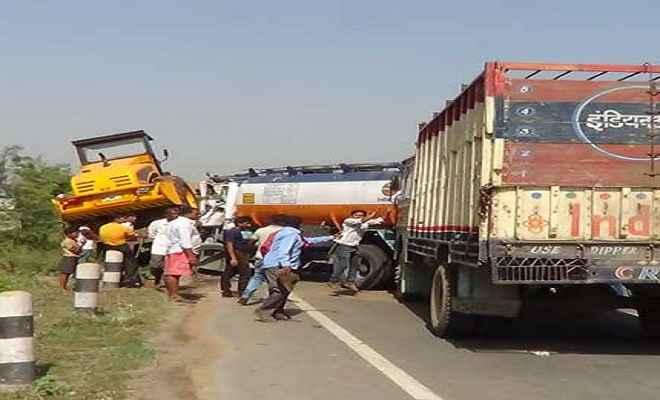 खगड़िया: एनएच-31 पर ट्रक -टैंकर में भीषण टक्कर, ट्रक चालक की मौत