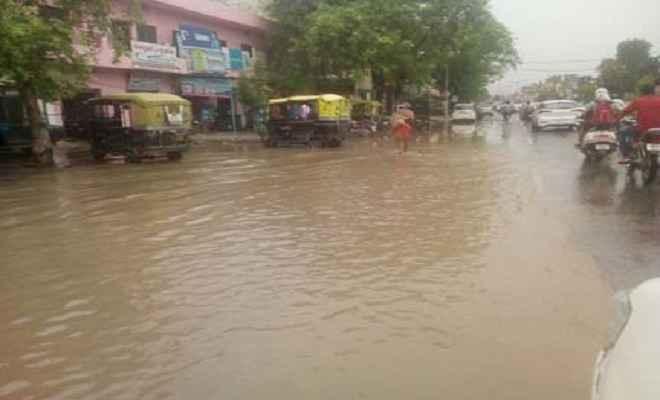 पांच दिन बाद भी कांटी नगर पंचायत से नहीं निकल पाया बरशाती पानी