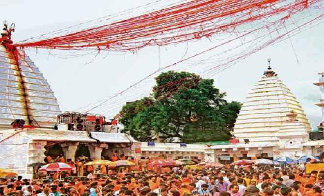 दस हजार से अधिक शिव भक्तों ने किया जलार्पण